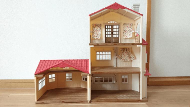 赤い屋根の大きなお家1階3階